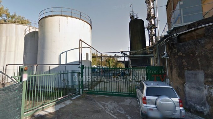 Distillerie Di Lorenzo, oltre 50 famiglie con il fiato sospeso