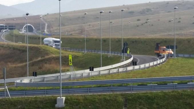 Incidente stradale allo svincolo Foligno Est, si ribalta mezzo pesante