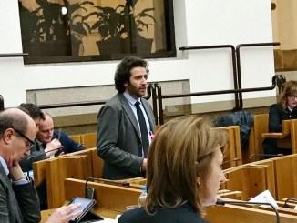 Giacomo Leonelli (Pd) ha illustrato oggi in Aula la sua interrogazione per l'esenzione dal ticket sanitario dei minori fuori famiglia e i minori stranieri non accompagnati ospiti di comunità residenziali o in affido familiare