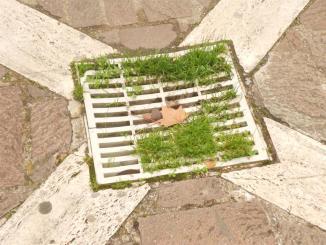 Buche e tombini, tombini e buche all'Ottagono di Fontivegge di Perugia