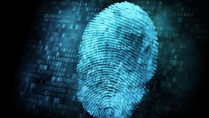 Furbetti del cartellino, far timbrare i dipendenti pubblici con le impronte digitali