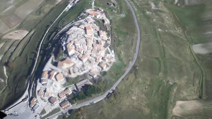5 ore di viaggio per salire a Castelluccio di Norcia per la semina delle lenticchie