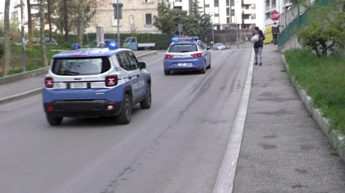 A spasso con eroina nelle scarpe a Fontivegge denunciata coppia straniera