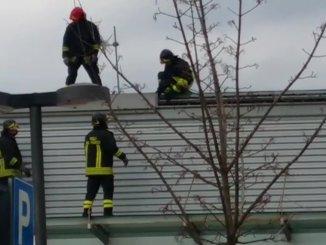 Incendio in una pizzeria a Ponte San Giovanni, vigili del fuoco sul posto [VIDEO]