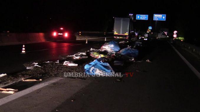 Camion perde carico, è accaduto nel curvone di Collestrada