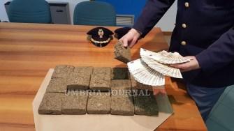 DROGA-POLIZIA-PERUGIA (2)