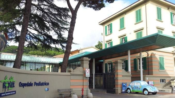 """Grave bimbo per una nocciolina, operato a Perugia e trasferito """"Meyer"""" di Firenze"""