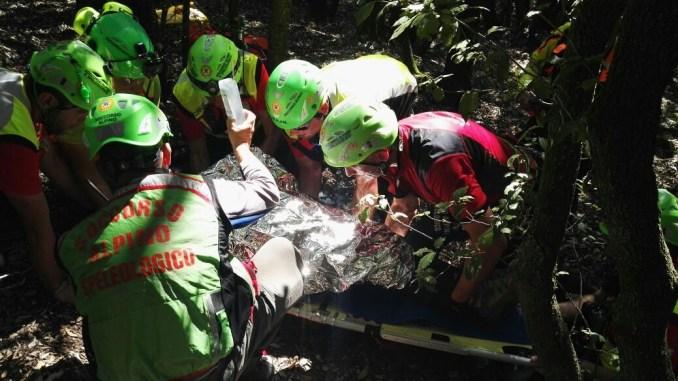 Escursionistica salvata da elisoccorso e soccorso alpino e speleologico Umbria