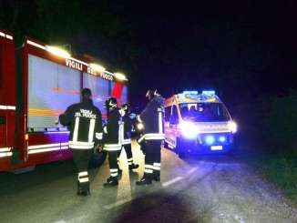 Contromano e frontale nella notte, anziano ferito in via Alfonsine a Terni