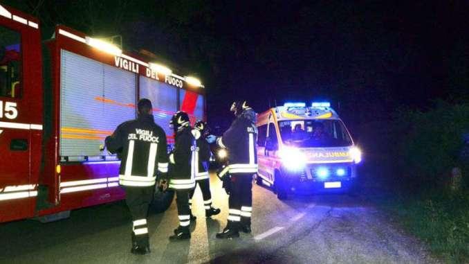 Uomo tenta il suicidio e si dà fuoco a Terni in strada Santa Giusta