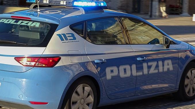 Preso lo straniero accoltellatore di agenti, durante cattura ferisce di nuovo poliziotto