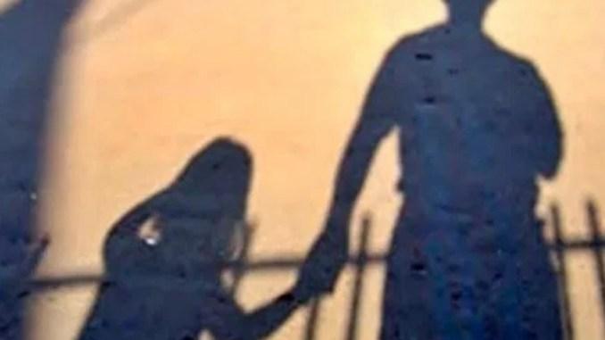 Due sorelle e una cugina minorenne violentate da un amico di famiglia