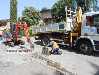 Perdita d'acqua a Ponte San Giovanni, intervento Umbria Acque