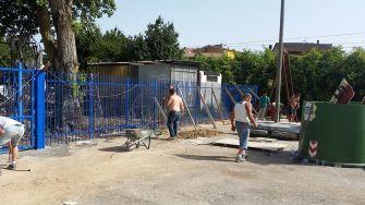 cancello-blu-rione-portella (8)