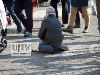 Sindaco di Todi, Antonino Ruggiano, contro accattonaggio, controlli e multe