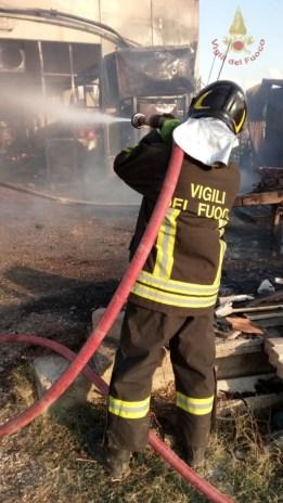 incendio-falegnameria-marsciano (5)
