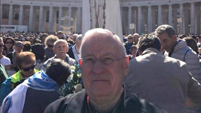 Cardinale Gualtiero Bassetti all'Angelus di Papa Francesco