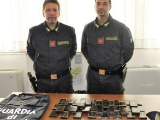 Sequestrati oltre quattro chili di hashish a Terni, due arresti