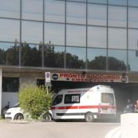 Incidente sul lavoro a Terni, operaio di 38 anni schiacciato, è in prognosi riservata