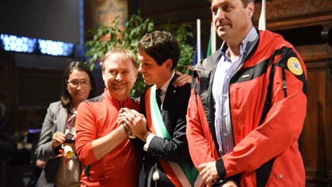 Soccorso alpino riceve il Baiocco d'Oro dal Sindaco di Perugia