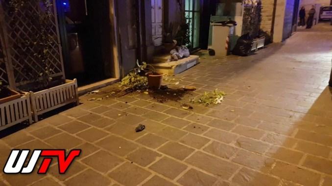 Scivola dalla gronda e si schianta a terra, succede a Bastia Umbra