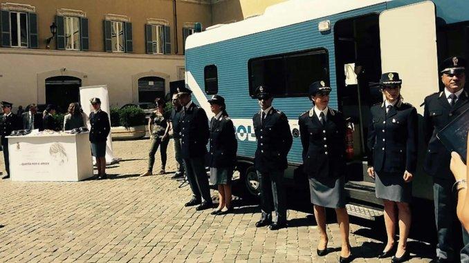 Questo non è amore, arriva camper Polizia a Perugia contro violenza sulle donne