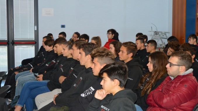 Gli studenti dell'indirizzo Grafica e comunicazione a flessibilità sportiva dell'Itts A. Volta contro il bullismo