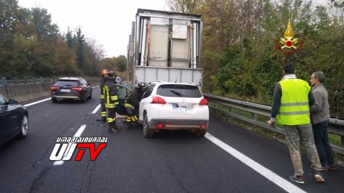Incidente stradale con ferito lieve sulla E45 a Deruta