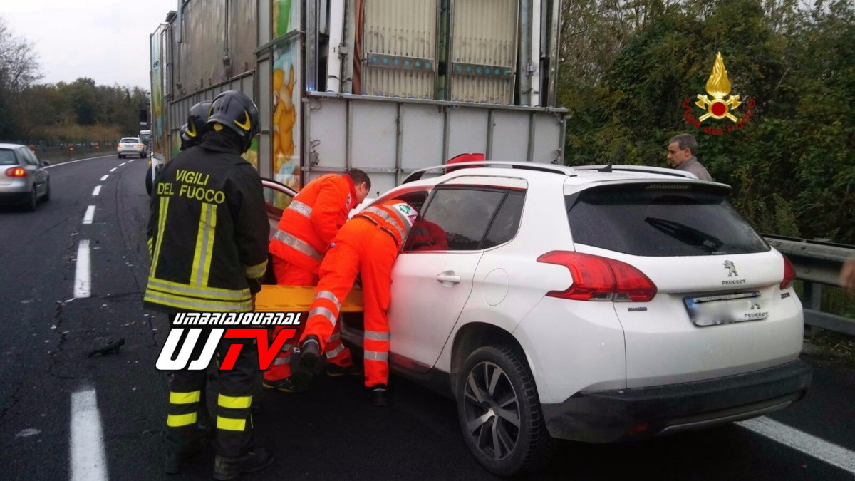 incidente stradale deruta 3