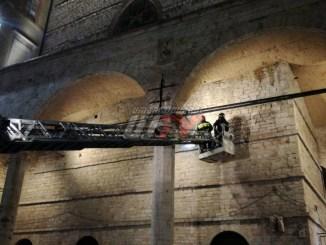 Cadono pezzi dalle Logge di Braccio in Piazza IV Novembre a Perugia