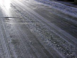 Lastra di ghiaccio sul raccordo a Tuoro, 8 incidenti e disagi alla circolazione
