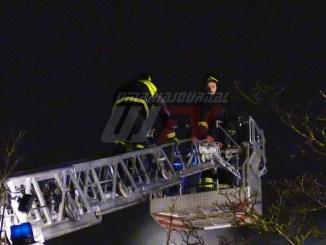Incendio capannone a Santa Andrea delle Fratte, struttura distrutta