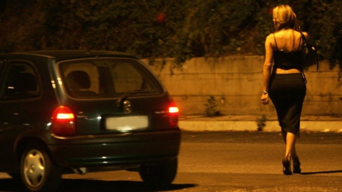 Basta prostituzione a Gualdo Tadino, arriva ordinanza del sindaco Presciutti