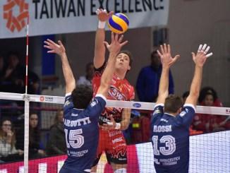 Volley, grande Perugia al PalaBianchini di Latina, porta a casa tre punti