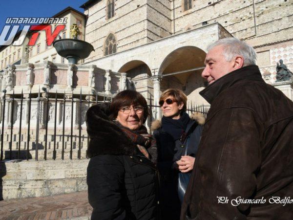 StatuetteDorateFontanaMaggiore (6)