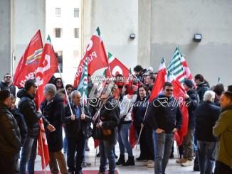 Presidio lavoratori Tagina davanti alla Regione a Perugia