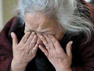 Ruba carta di credito ad anziana, preleva 1450 euro, tunisino in carcere