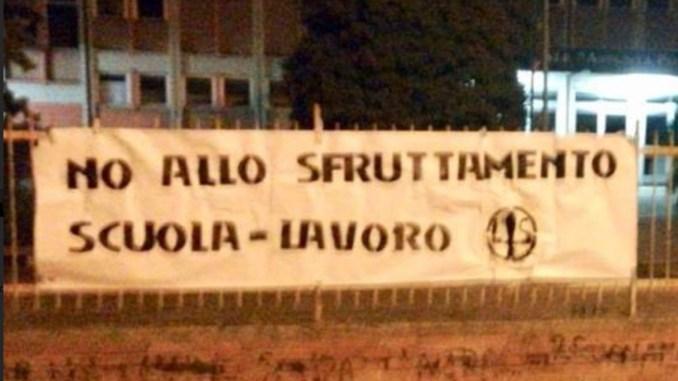 Liceo Pieralli Perugia blitz Forza Nuova no sfruttamento scuola lavoro