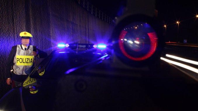 Incidente nella notte sulla E45 a Città di Castello, autotreno c'entra cuspide