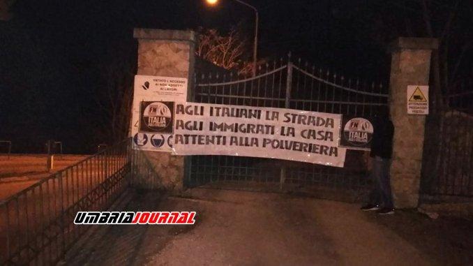 Centro profughi in case Ater Perugia, Forza Nuova, blitz nella notte
