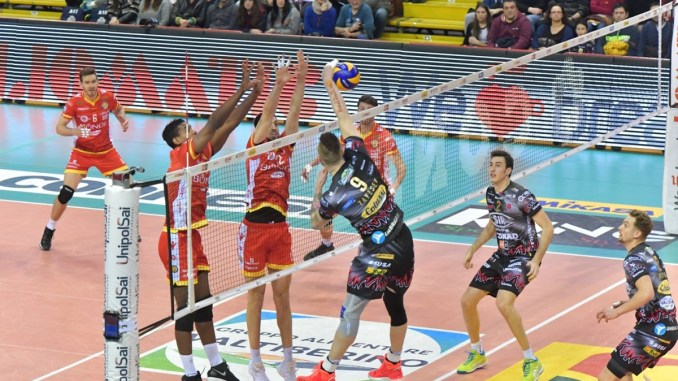 "Volley, Playoff -3! I sirmaniaci lanciano per sabato il ""Total white""!"