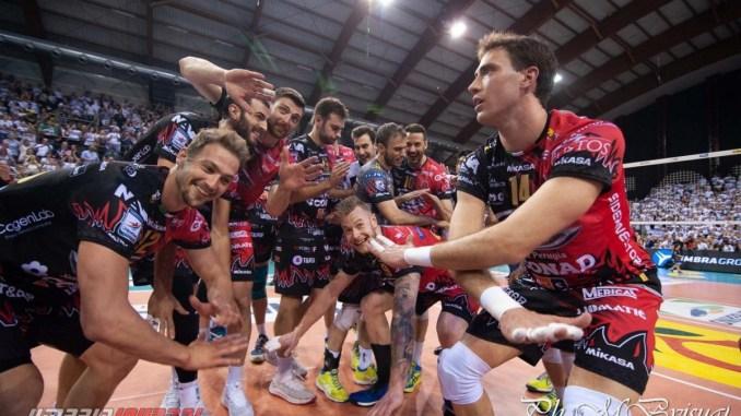 Volley, Sir Safety, Perugia da impazzire 3-1 a Civitanova LE FOTO E INTERVISTE