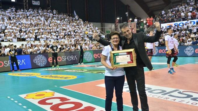 Sir Volley, gara 3 scudetto vinta, battuta Lube, PalaEvangelisti in delirio