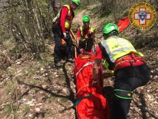 Anziano muore in montagna corpo recuperato dal Sasu a Fossato di Vico