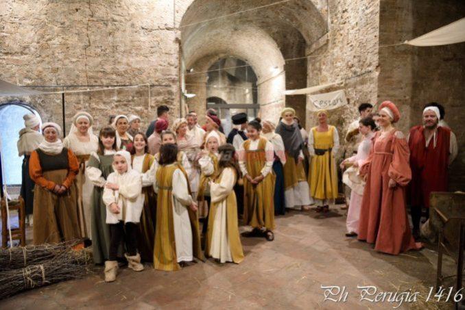 Scene di vita medioevale Porta Sant'Angelo Perugia 1416 (2)