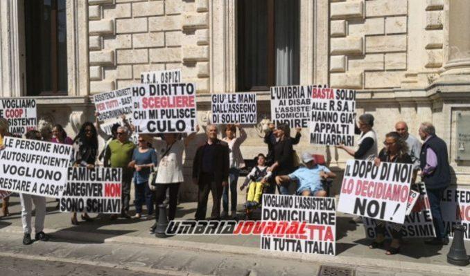 protestaa-associazioni-disabili (7)