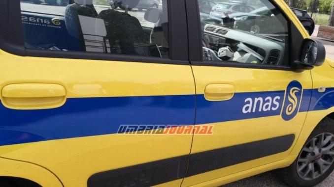 Incidente stradale sulla 3 bis Tiberina, mezzo pesante intraversato