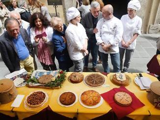 Perugia 1416, torna la gara gastronomica, la torta di Braccio versione salata