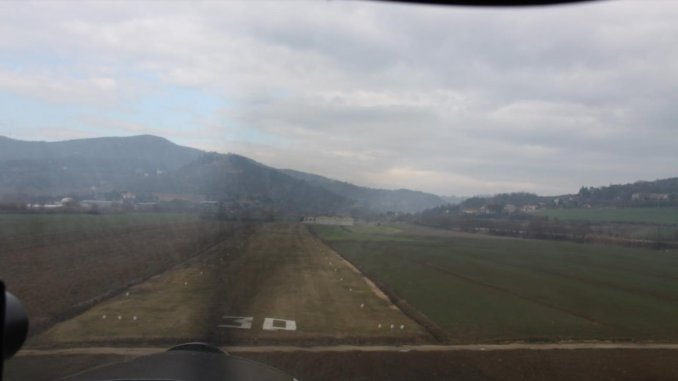 Precipita paracadutista all'aviosuperficie di Terni, è in rianimazione