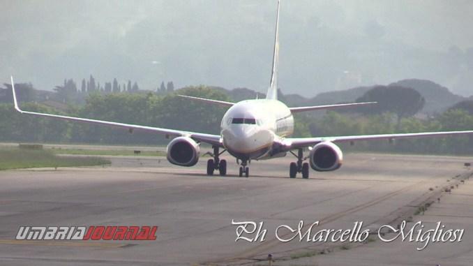 Preoccupa il danno all'immagine dell'Aeroporto Internazionale San Francesco di Assisi che potrebbe essere causato dalla cancellazione dei voli Cobrex